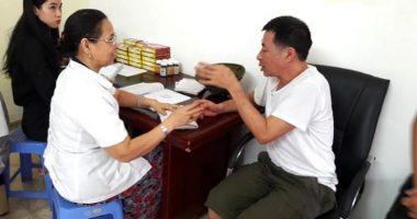 Một ngày Lương y Nguyễn Quý Thanh bắt mạch tại Hà Nội