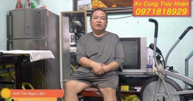 Anh Tào Ngọc Lâm trong căn nhà nhỏ của mình
